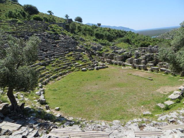 Coliseum, Caunos