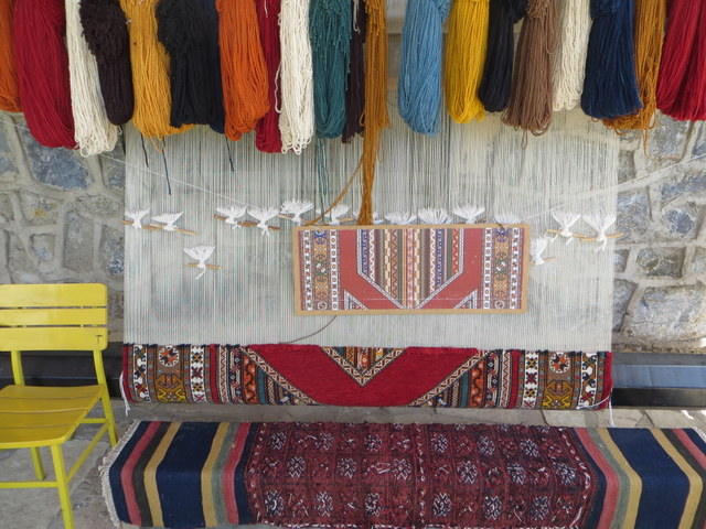 Making Turkish rugs