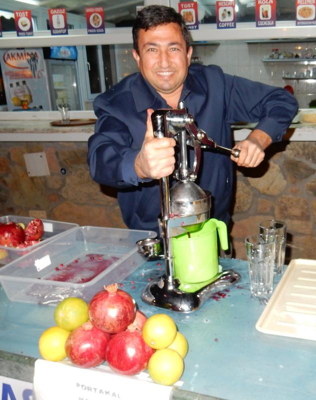 Fresh pomegranate and orange juice at the Kaş town square