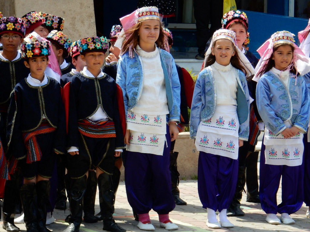 Priimary school children celebrate Ataturk's birthday