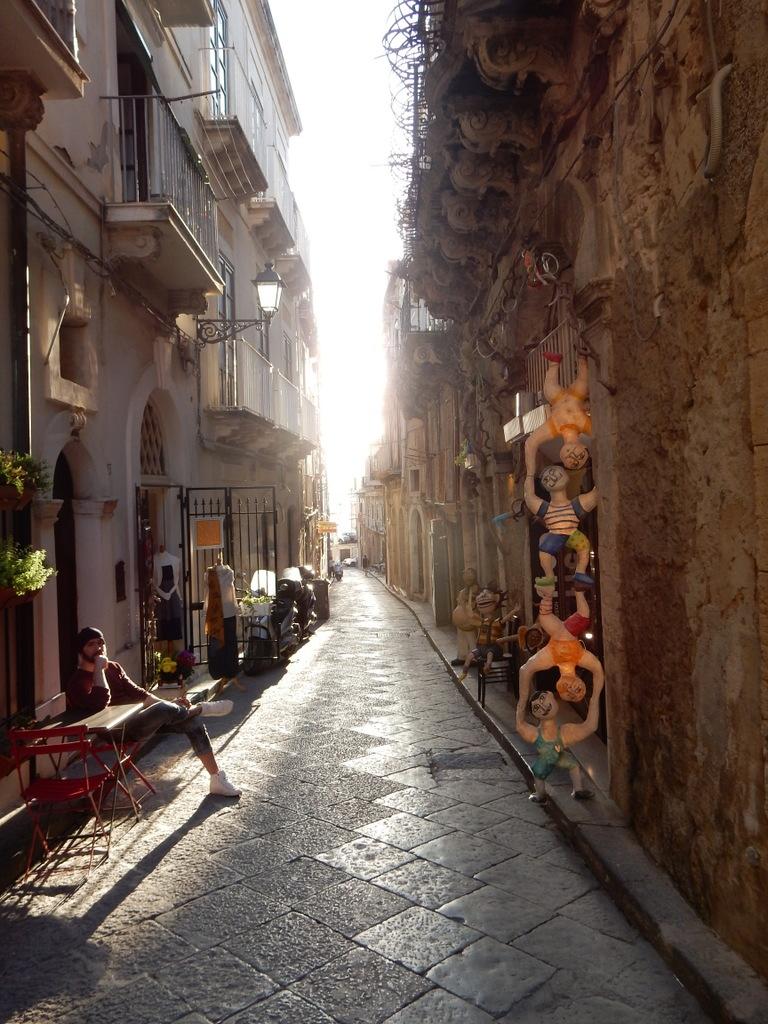 Narrow street in Siracusa, Sicily
