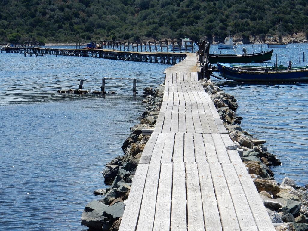 Small boat dock in Malfatano.