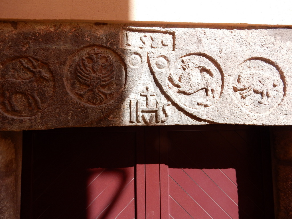 Lintel for this house says 1580 (Bosa)